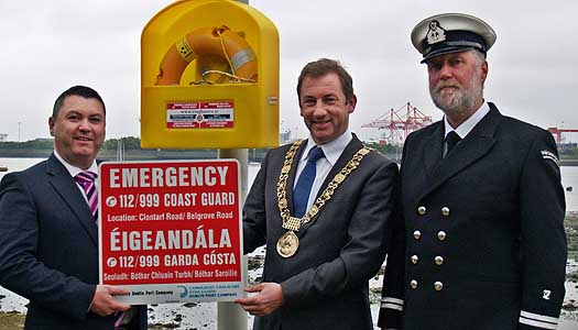 Sign_Handover_2014_Dub_Port-1