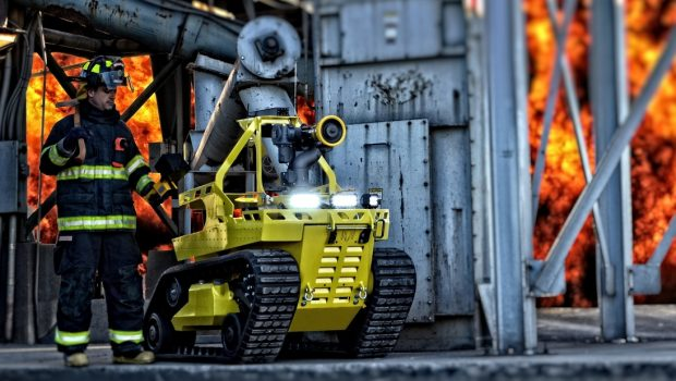 robotic-firefighting-vehicle-robot-firefighter-fire-fighting-robot-robots-fire-fighter-rescue-monitor-nozzle-thermite-3-0-rs1-doking-dok-ing-1-howe-4_orig