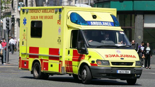 Dublin_Fire_Brigade_Emergency_Ambulance_R2_06D39114_Ford_Transit_-_Flickr_-_D464-Darren_Hall