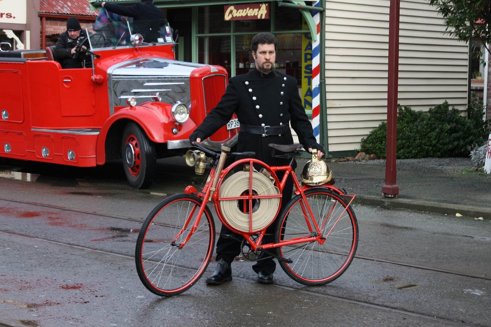 картинка пожарный велосипед минимизировать риск попадания